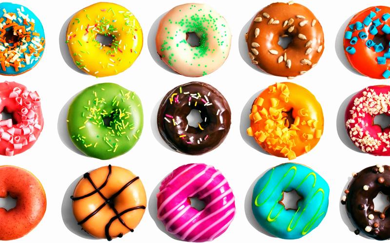Donuts coloridos nos mercados da Irlanda