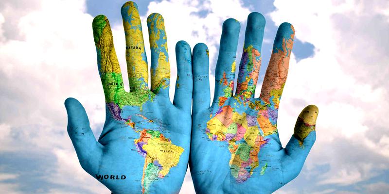 Mapa nas mãos