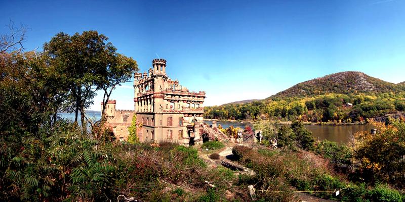 Castelos abandonados pelo mundo