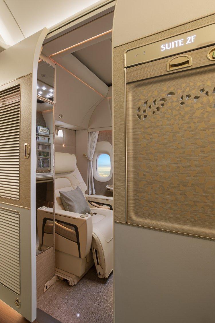 Novasuíte de luxo do 777-300ER da Emirates